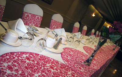 Damask Red Headtable